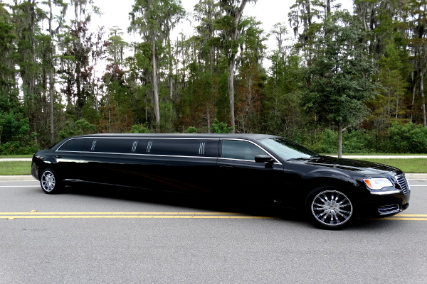 Chrysler 300 Limo Service Fort Wayne