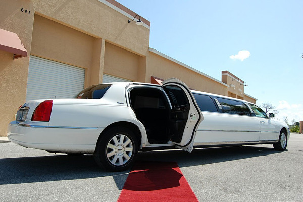 Lincoln Stretch Limo Fort Wayne